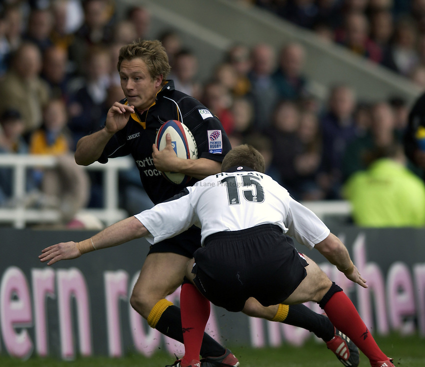 .Photo. Jed Wee.Newcastle Falcons v Saracens, Zurich Premiership, Kingston Park, Newcastle. 04/05/2003..Newcastle's Jonny Wilkinson.