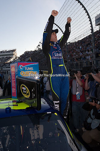 Oct 19, 2008; 4:22:26 PM;  Martinsville, VA, USA; NASCAR Sprint Cup Series race at the Martinsville Speedway for the TUMS Quick Pak 500.  Mandatory Credit: (thesportswire.net)