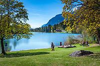 Austria, Tyrol, Kramsach: Reintal lake, one of 3 swimming lakes near Kramsach | Oesterreich, Tirol, Wanderdorf Kramsach: Der Reintaler See Blick Richtung Westen, einer der 3 Badeseen Kramsachs