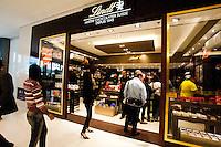 SAO PAULO, SP, 30.04.2015 - Aberto ao público a partir de hoje, o Shopping Cidade São Paulo, na avenida Paulista, inicio da manhã dessa quinta 30. (Foto: Gabriel Soares/ Brazil Photo Press)