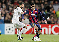 FC Barcelona's Sergio Busquets (r) and Paris Saint-Germain's Thiago Motta during Champions League 2014/2015 match.December 10,2014. (ALTERPHOTOS/Acero) /NortePhoto