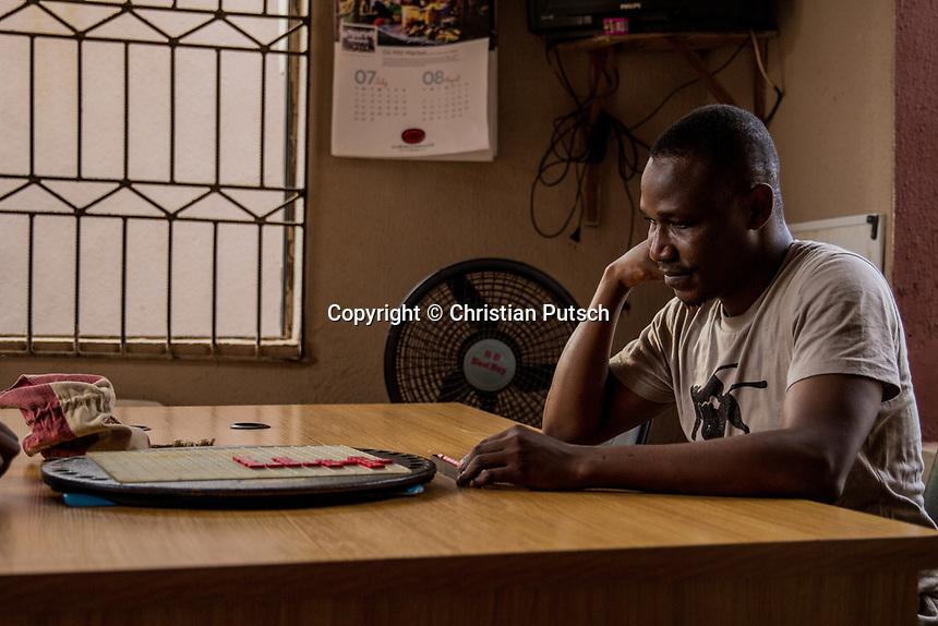 Nigeria, Portrait Wellington Jighere: Die Scrabble-Weltmacht