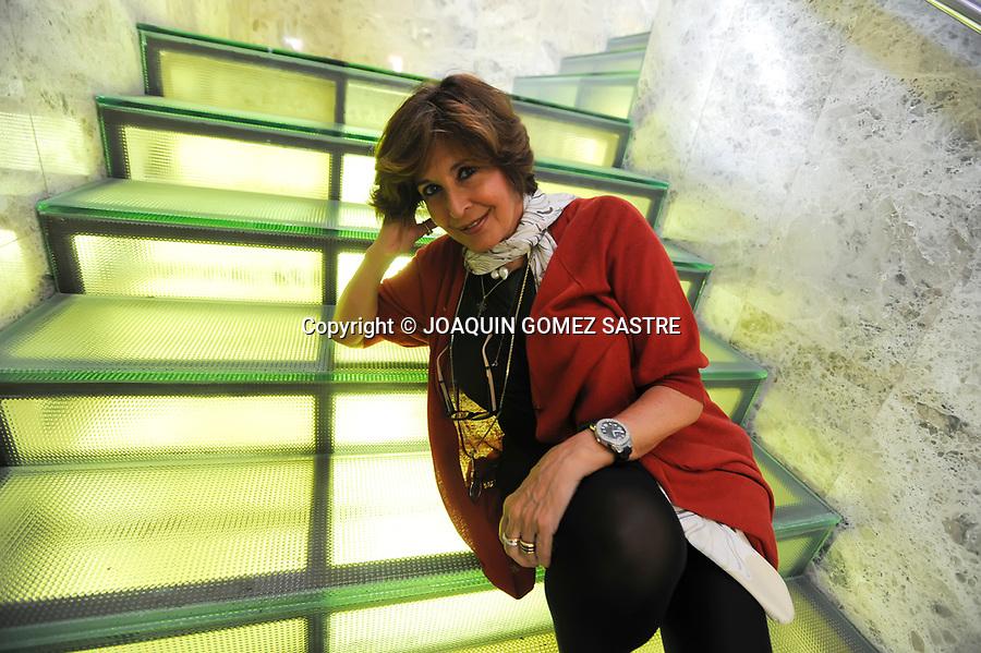 27 AGOSTO 2009 SANTANDER<br /> La actriz Concha Velasco posa en el hotel Santemar para una entrevista del mundo.<br /> Foto &copy; JOAQUIN GOMEZ SASTRE