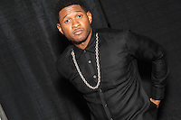 PHILADELPHIA, PA - OCTOBER 26 :  Usher pictured backstage at Powerhouse 30 at the Wells Fargo Center in Philadelphia, Pa on October 26, 2012  © Star Shooter / MediaPunch Inc /NortePhoto