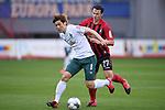 FussballFussball: agnph001:  1. Bundesliga Saison 2019/2020 27. Spieltag 23.05.2020<br />SC Freiburg - SV Werder Bremen<br />Yuya Osako (Bremen links) Nicolas Hoefler (Freiburg rechts)<br />FOTO: Markus Ulmer/Pressefoto Ulmer/ /Pool/gumzmedia/nordphoto<br /><br />Nur fŸr journalistische Zwecke! Only for editorial use! <br />No commercial usage!