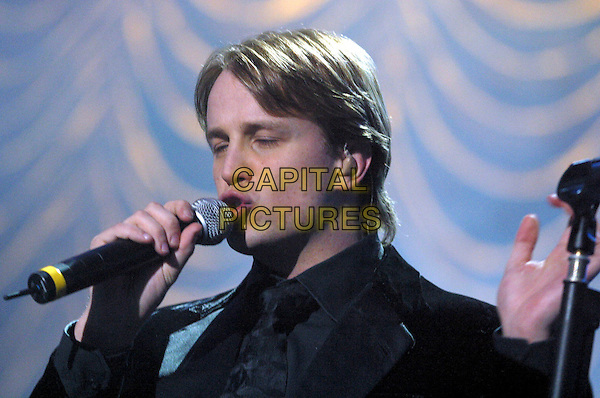WESTLIFE.KIAN EGAN.Live in concert, Nottingham Arena, 22nd March 2005..portrait headshot on stage music gig .Ref: JEZ.www.capitalpictures.com.sales@capitalpictures.com.©Jez Self/Capital Pictures