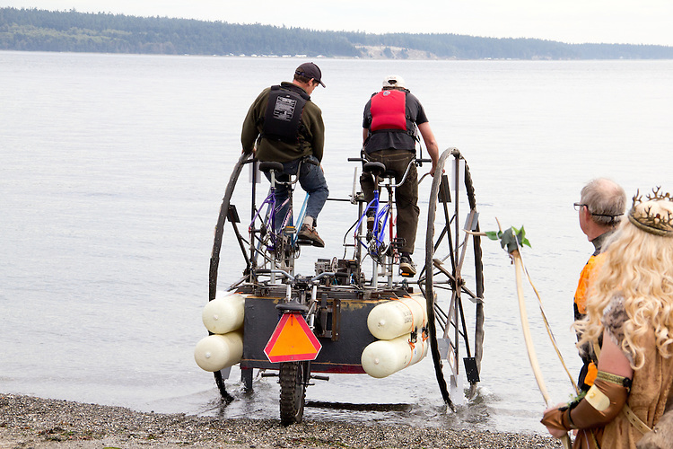The Great Port Townsend Bay Kinetic Skulpture Race, Kinetic Skulpture, human powered vehicles, Olympic Peninsula, Washington State, Pacific Northwest,