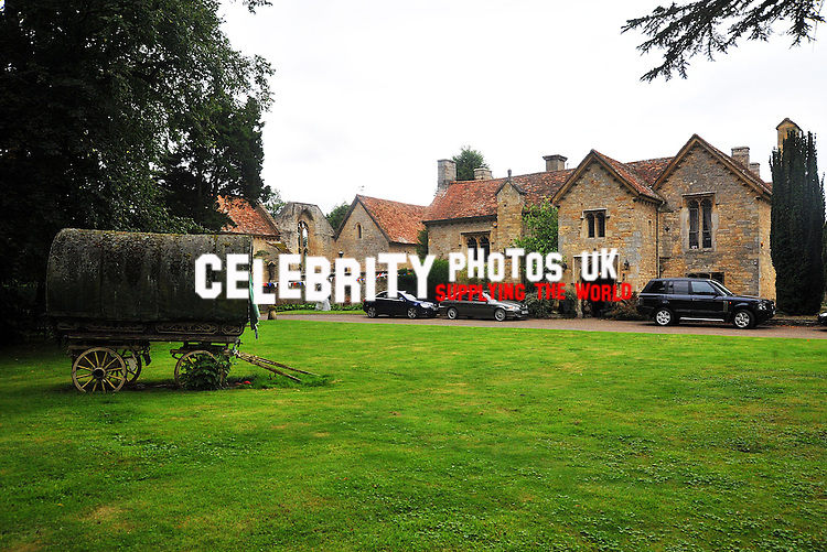 bicture by brian jordan/ retna pictures..picture shows: The Heritage Foundation Garden Party with afternoon tea at the E home of  President Robin Gibb CBE and his wife Dwina. The eventTOOK place on Saturday 5th Sept 09. at The Prebendal, Thame.TO RAISE FUNDS FOR The Bomber Command Memorial Appeal