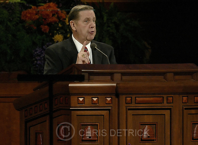 Salt Lake City, Utah --10/1/2005--..Elder Jeffrey Holland delivers his speech during the LDS Church General Conference held at the Conference Center. ...Chris Detrick/The Salt Lake Tribune.File #816G0291