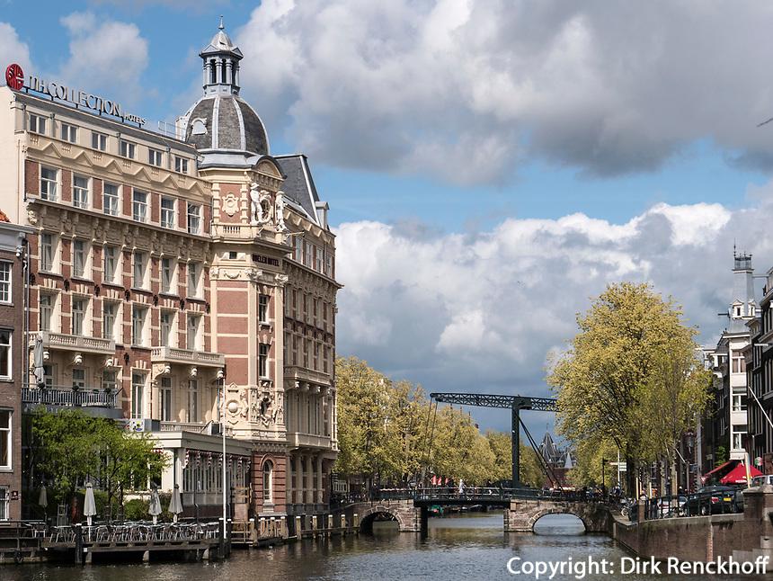 Gracht Kloveniersburgwal, Amsterdam, Provinz Nordholland, Niederlande<br /> Gracht Kloveniersburgwal, Amsterdam, Province North Holland, Netherlands
