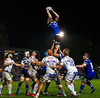 Elliott Stooke of Bath Rugby wins the ball at a lineout. Gallagher Premiership match, between Bath Rugby and Exeter Chiefs on October 5, 2018 at the Recreation Ground in Bath, England. Photo by: Patrick Khachfe / Onside Images