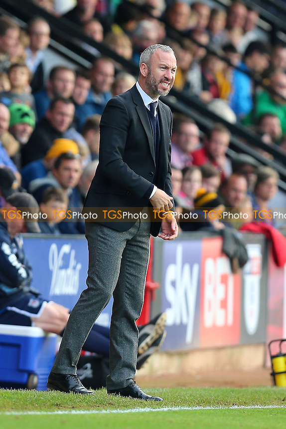 Cambridge United manager Shaun Derry during Cambridge United vs Grimsby Town, Sky Bet EFL League 2 Football at the Abbey Stadium on 15th October 2016