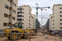 "milano, periferia sud. Le Corti all'Alzaia, nuovo quartiere a prevalenza residenziale in costruzione sull'area della ex cartiera Binda lungo il naviglio pavese --- milan, south periphery. ""Corti all'alzaia"", new predominatly residential district under construction on the area of the former ""Binda"" paper mill along the naviglio pavese channel"