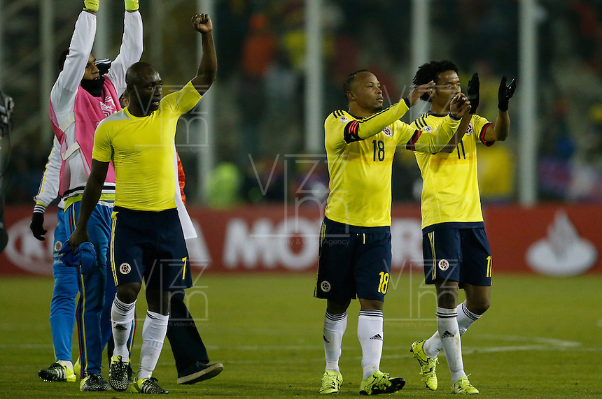 SANTIAGO DE CHILE- CHILE - 17-04-2015: Los jugadores de Colombia, celebran al final del partido Colombia y Brasil, por la fase de grupos, Grupo C, de la Copa America Chile 2015, en el estadio Monumental en la Ciudad de Santiago de Chile. / The players of Colombia, celebrate at the end of a match between Colombia and Brasil for the group phase, Group C, of the Copa America Chile 2015, in the Monumental stadium in Santiago de Chile city. Photos: VizzorImage /  Photosport / Andres Piña / Cont.
