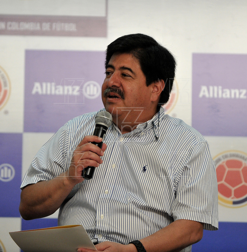 BARRANQUILLA, COLOMBIA - 10-06-2013: Luis Bedoya Presidente de la Federación Colombiana de Fútbol, durante presentación de Allianz nuevo socio de la Federación, en Barranquilla, junio 10 de 2013. (Foto: VizzorImage / Luis Ramírez / Staff). Luis Bedoya President of the Colombian Football Federation, during presentation of Allianz the new partner of the Federation, in Barranquilla, June 10, 2013. (Photo: VizzorImage / Luis Ramirez / Staff)