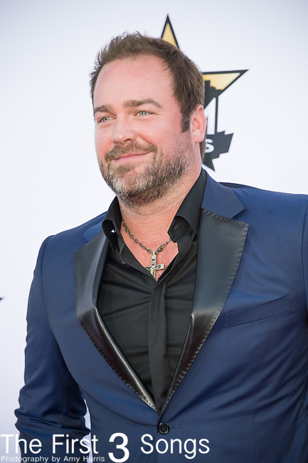 Lee Brice attends the 50th Academy Of Country Music Awards at AT&T Stadium on April 19, 2015 in Arlington, Texas.