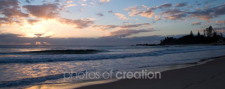 Sunrise on Town Beach - Port macquarie. NSW
