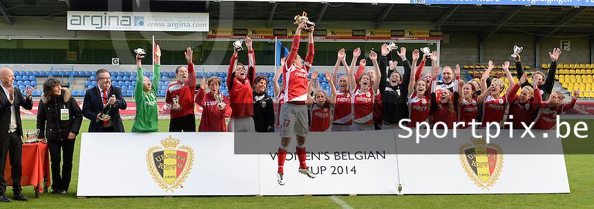 Finale Beker van Belgi&euml; : Standard - Club Brugge :<br /> <br /> feest bij Standard na het behalen van de Beker van Belgi&euml;<br /> <br /> foto Dirk Vuylsteke / Nikonpro.be