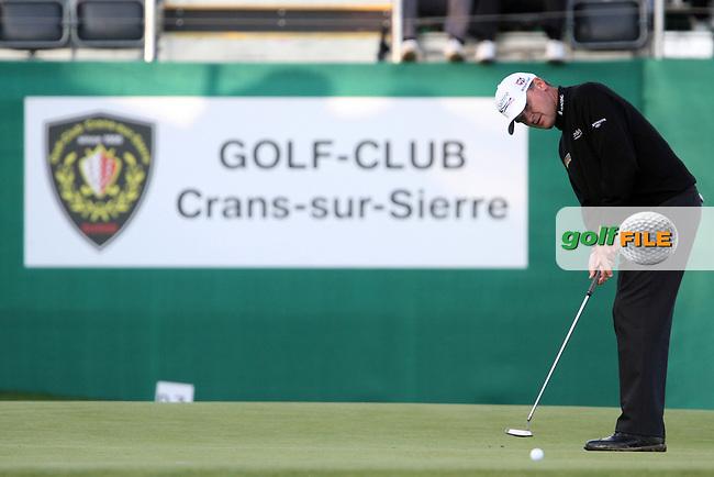 Paul Lawrie (SCO) on the 18th on Day 3 of the Omega European Masters 2012, Golf Club Crans-Sur-Sierre, Crans Montana, Switzerland, 01/09/12...(Photo Jenny Matthews/www.golffile.ie)
