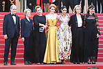 Cannes Film Festival 2018 - 71st edition - Day 5 - May 12 in Cannes, on May 12, 2018; La montée des femmes - Screening 'Les filles du soleil'. French director Eva Husson (C), French actress Emmanuelle Bercot (3rdL)and Iranian actress Golshifteh Farahani (3rdR) and producer Didar Domehri (R) pose with the President of the Cannes Film Festival Pierre Lescure (L), the President of the CNC Frederique Bredin and French Culture Minister Francoise Nyssen.  © Pierre Teyssot / Maxppp