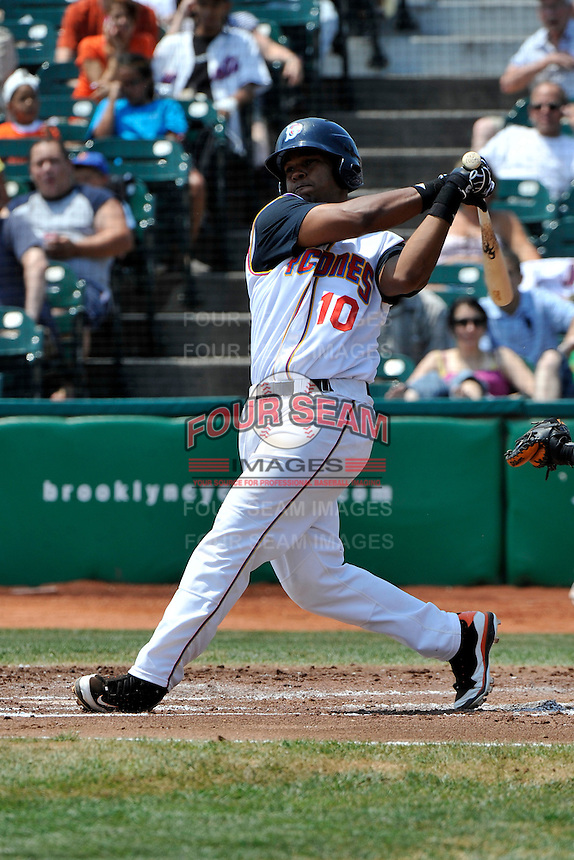 Brooklyn Cyclones infielder Richard Lucas #10 during a game against the Lowell Spinners at MCU Park on July 18, 2011 in Brooklyn, NY.  Lowell defeated Brooklyn 11-5.  Tomasso DeRosa/Four Seam Images