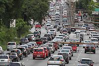 SAO PAULO, SP, 02/01/2014, TRANSITO. No primeiro dia util de 2014 a Radial Leste na altura do bairro da Mooca tem transito intenso nessa quinta-feira (2).  LUIZ GUARNIERI/ BRAZIL PHOTO PRESS.