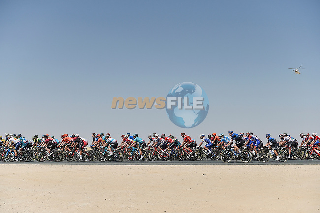 The peloton in action during Stage 3 The Emirates Stage of the UAE Tour 2020 running 184km from Al Qudra Cycle Track to Jebel Hafeet, Dubai. 25th February 2020.<br /> Picture: LaPresse/Fabio Ferrari | Cyclefile<br /> <br /> All photos usage must carry mandatory copyright credit (© Cyclefile | LaPresse/Fabio Ferrari)