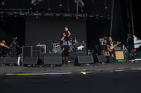 SÃO PAULO, SP - 07.12.2013 - SUMMER BREAK FESTIVAL 2013 - BANDA O RAPPA - A Banda O Rappa durante sua apresentação no Summer Break Festival 2013, que ocorre no  Campo de Marte, região norte neste sabado (07). (Foto: Marcelo Brammer/Brazil Photo Press)