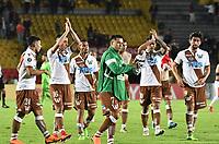 BOGOTA - COLOMBIA - 20 - 02 - 2018: Los jugadores de Santiago Wanderers, al final del partido partido de vuelta entre Independiente Santa Fe (COL) y Santiago Wanderers (CHL), de la fase 3 llave 1, por la Copa Conmebol Libertadores 2018, jugado en el estadio Nemesio Camcho El Campin de la ciudad de Bogota. / The players of Santiago Wanderers, at the end of the match for the second leg between Independiente Santa Fe (COL) and Santiago Wanderers (CHL), of the 3rd phase key 1, for the Copa Conmebol Libertadores 2018 at the Nemesio Camacho El Campin Stadium in Bogota city. Photo: VizzorImage / Luis Ramirez / Staff.