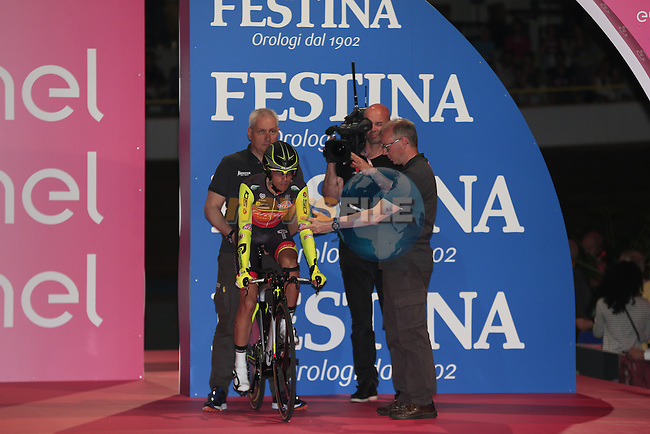 Cristian Rodriguez (ESP) Wilier Triestina-Southeast on the start ramp of Stage 1 of the 2016 Giro d'Italia, an individual time trial of 9.8km around Apeldoorn, The Nethrerlands. 6th May 2016.<br /> Picture: Eoin Clarke | Newsfile<br /> <br /> <br /> All photos usage must carry mandatory copyright credit (&copy; Newsfile | Eoin Clarke)