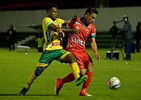 TUNJA -COLOMBIA, 07-07-2017: Mauricio Gomez (Der) jugador de Patriotas FC disputa el balón con Elvis Perlaza (Izq) jugador de Atletico Huila durante partido por la fecha 1 de la Liga Águila II 2017 realizado en el estadio La Independencia en Tunja. / Mauricio Gomez (R) player of Patriotas FC fights for the ball with Elvis Perlaza (L) player of Atletico Huila during match for the date 1 of Aguila League II 2017 at La Independencia stadium in Tunja. Photo: VizzorImage / Javier Morales  / Cont