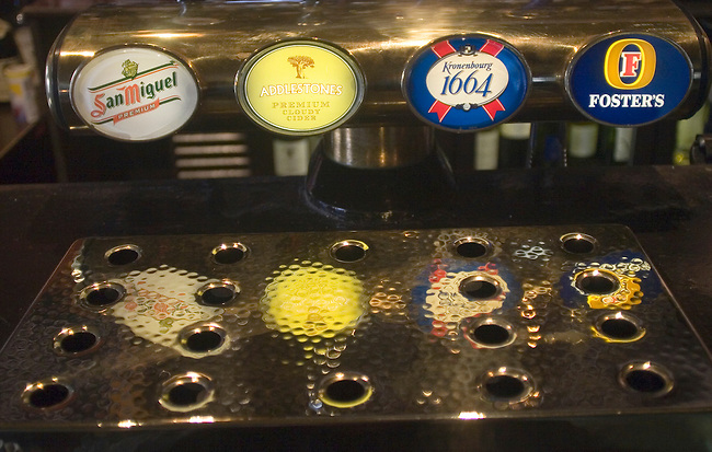 Beer on Tap, Anglesea Arms Restaurant, London, England
