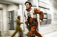 Star Wars: The Last Jedi (2017)<br /> OSCAR ISAAC<br /> *Filmstill - Editorial Use Only*<br /> CAP/FB<br /> Image supplied by Capital Pictures
