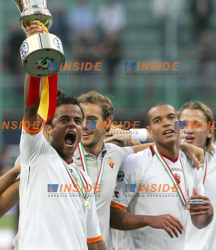Amantino Mancini, Rodrigo Defendi, Matteo Ferrari, Philippe Mexes celebrate at the end of the match<br /> Esultanza per la vittoria della Coppa Italia<br /> Italy &quot;Tim Cup&quot; 2006-07 - Coppa Italia<br /> 17 May 2007 (Final 2st Leg)<br /> Inter-Roma (2-1) (a.r. 2-6)<br /> &quot;Giuseppe Meazza&quot; Stadium-Milano-Italy<br /> Photographer Andrea Staccioli INSIDE