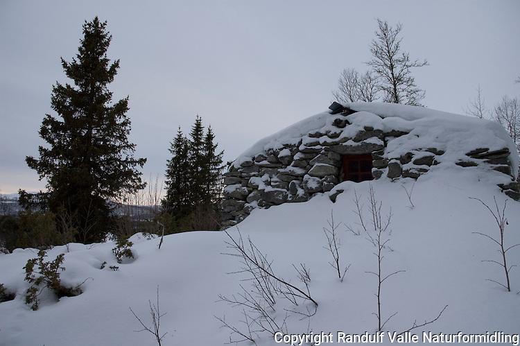 Hytta Røverhulen i Gausdal Vestfjell ---- Stone cabin in Gausdal Vestfjell