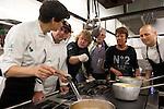 Aizpea Oihaneder, Felix Garrido,  Kenneth Sillman, Bosse Sillman, Kerstin Sillman y Daniel Lopez durante el encuentro en jovenes cocineros vascos (Sukatalde) y cocineros suecos