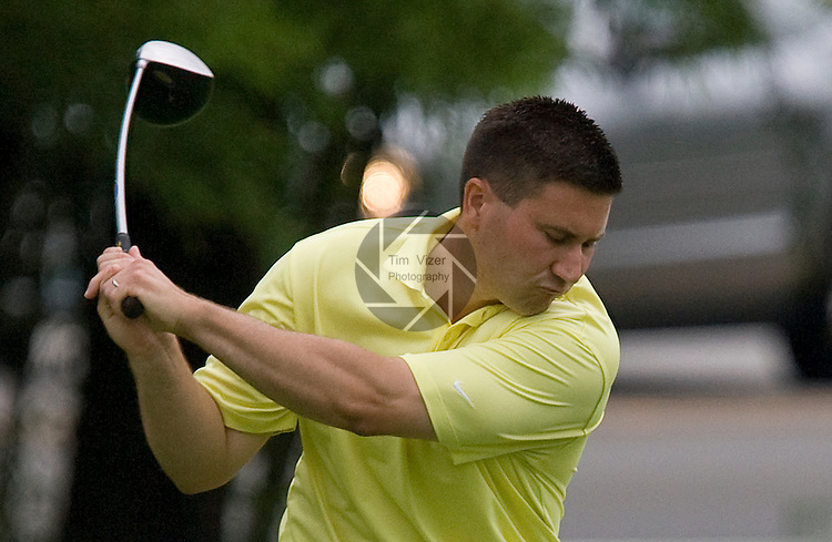 071010tvcaraviatees.Phil Caravia tees off at the St. Louis Metropolitan Golf Championship..BND/TIM VIZER   with story