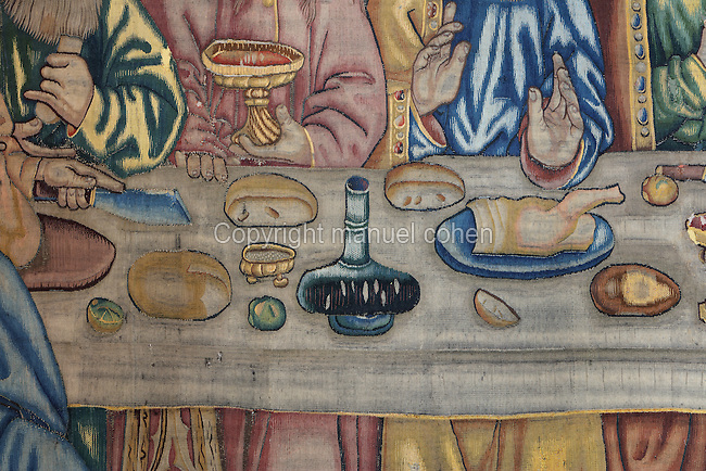 Detail of food and wine, on the Tapestry of the Last Supper, 15th century, by an unknown artist, in linen, wool, silk and gold thread, in the collection of the Museum of Tortosa Cathedral, in the Cathedral of St Mary, designed by Benito Dalguayre in Catalan Gothic style and begun 1347 on the site of a Romanesque cathedral, consecrated 1447 and completed in 1757, Tortosa, Catalonia, Spain. Picture by Manuel Cohen