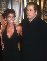 #HalleBerry #JohnTravolta 2001<br /> Photo By John Barrett/PHOTOlink.net