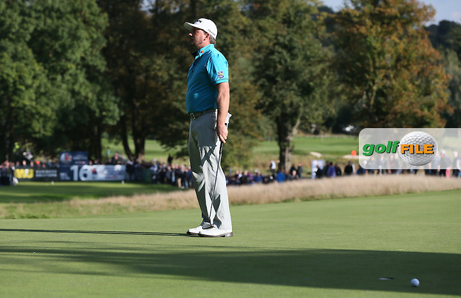 Graeme McDowell (NIR) missing birdie at the 16th during Round Three of the British Masters 2016, played at The Grove, Chandler's Cross, Hertfordshire, England. 15/10/2016. Picture: David Lloyd | Golffile.