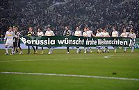 FUSSBALL   DFB POKAL   SAISON 2011/2012  ACHTELFINALE  Borussia Moenchengladbach - FC Schalke 04         21.12.2011 Die Mannschaft von Borussia Moenchengladbach wuenscht frohe Weihnachten