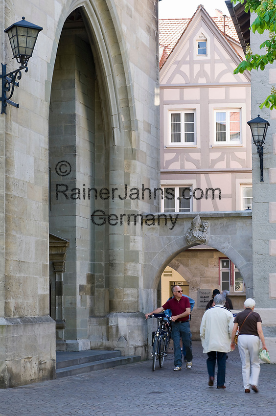 DEU, Deutschland, Baden-Wuerttemberg, Ueberlingen am Bodensee: Altstadt beim Muenster St. Nikolaus | DEU, Germany, Baden-Wuerttemberg, Ueberlingen at Lake Constance: old town, centre