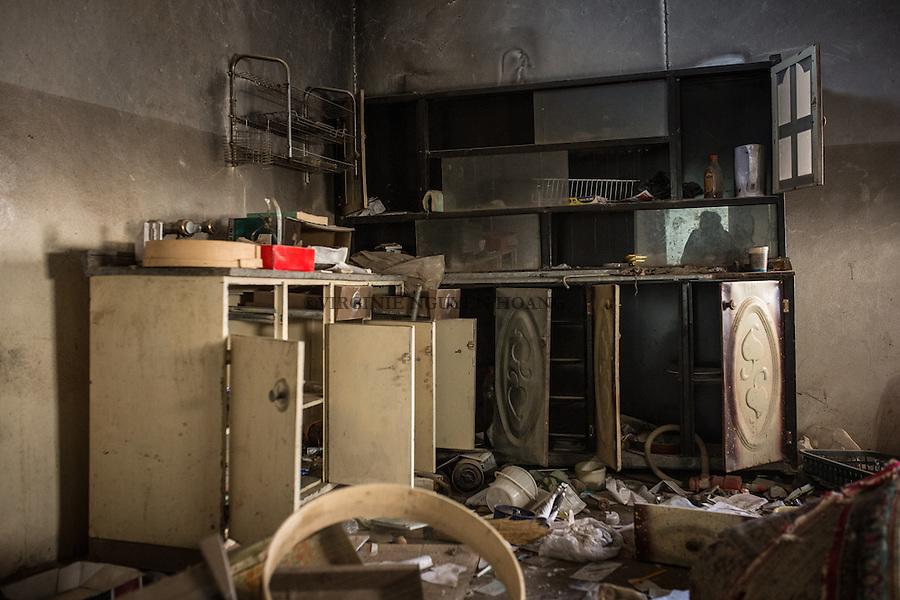 IRAK, Khanash:Kitchen of a house where an emir of Daesh  used to live in the village of Khanash, not far from Makhmour, the 9th December 2016. <br /> <br /> IRAK, Khanash: Cuisine d'une maison du village de Khanash o&ugrave; un emir de Daesh habitait, non loin de Makhmour, le 9 d&eacute;cembre 2016.
