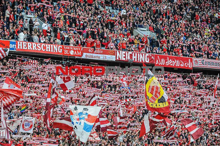 04.10.2015, Allianz-Arena, Muenchen, GER, Bundesliga, 8. Spieltag, FC Bayern Muenchen vs Borussia Dortmund, im Bild<br /> <br /> Vor dem Anpfiff, die Bayern-Suedkurve<br /> <br /> Foto &copy; nordphoto / Schreyer