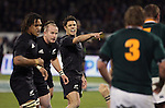All Black Dan Carter (centre) yells instructions during the international rugby match between the New Zealand All Blacks and South Africa at Jade Stadium, Christchurch, New Zealand. 14 July 2007. Photo: Marc Weakley