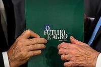 BRASÍLIA, DF, 29.08.2018 - ENCONTRO-PRESIDENCIÁVEIS - O candidato a presidência Henrique Meirelles (MDB) durante o Encontro com Presidenciaéveis na CNA (Confederação da Agricultura e Pecuária do Brasil), nesta quarta-feira, 29, em Brasília. (Foto: Ricardo Botelho/Brazil Photo Press)