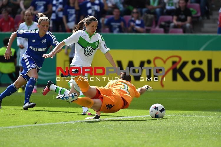 21.05.2016, RheinEnergie Stadion, Koeln, GER, DFB Pokal Finale Frauen 2015/2016  SC Sand vs VfL Wolfsburg  <br /> im Bild / picture shows: <br /> Angriff Sand Almuth Schult Torwart ( VFL Wolfsburg #01 )verliert den Ball, die Sander sehen eine Chance <br /> hinten Jana Vojtekov&aacute; ( SC Sand #20 ) und Elise Bussaglia ( VFL Wolfsburg #30 )<br /> <br /> <br /> <br /> Foto &copy; nordphoto / meuter