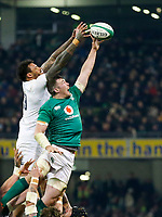 Saturday 2nd February 2019 | Ireland vs England<br /> <br /> Peter O&rsquo;Mahony beats Courtney Lawes to the ball during the opening Guinness 6 Nations clash between Ireland and England at the Aviva Stadium, Lansdowne Road, Dublin, Ireland.  Photo by John Dickson / DICKSONDIGITAL