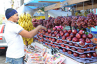 Frutas y dulces navideños.Fotos: Carmen Suárez/acento.com.do.Fecha: 23/12/2011.