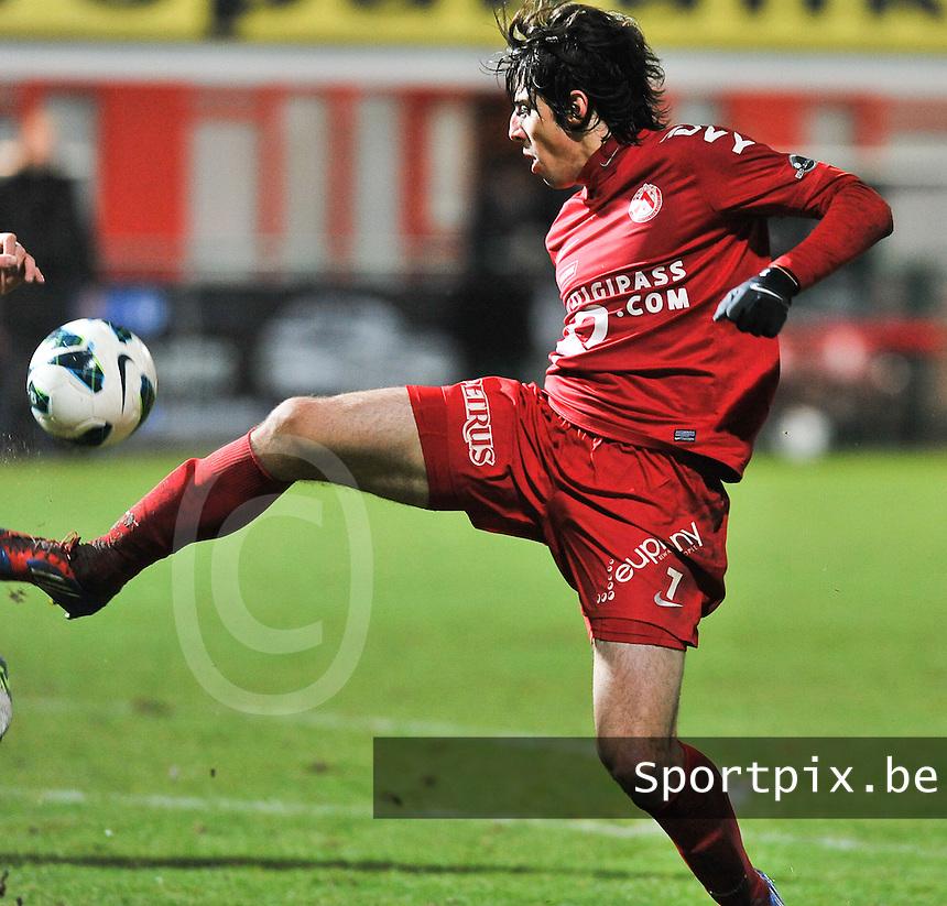 KV Kortrijk  : Pablo Chavarria.foto VDB / BART VANDENBROUCKE